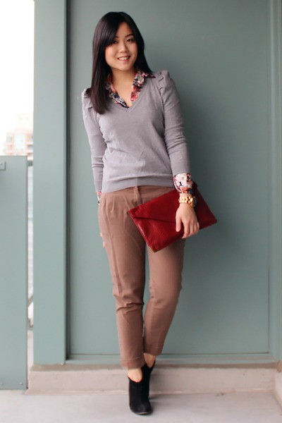 brick red Forever 21 purse - black sam edelman boots - heather gray H&M sweater