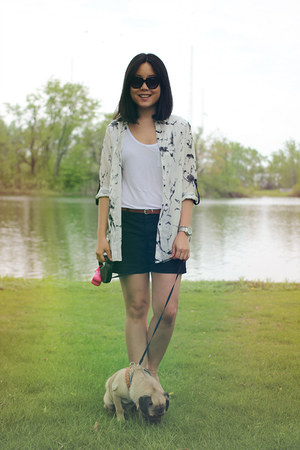 black Old Navy shorts - black OASAP sunglasses - off white OASAP blouse