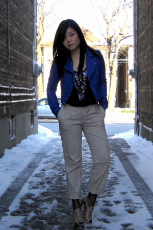 blue H&M jacket - blue Forever 21 top - beige H&M pants - beige Aldo shoes