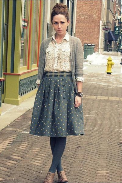 oxford pumps UO Kimchi Blue heels - cotton Anthropologie shirt