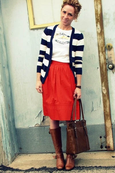 Nine West boots - Gap sweater - Nine & Co bag - JCrew t-shirt - Kristina J skirt