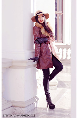 Basconi shoes - URMA coat - nissa hat