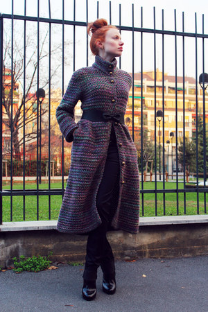 puce MALO coat - black Giuseppe Zanotti boots - black acne jeans