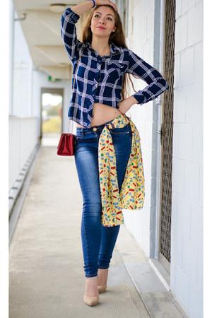 jeans - shirt - scarf - heels