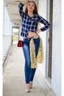 Jeans-shirt-scarf-heels
