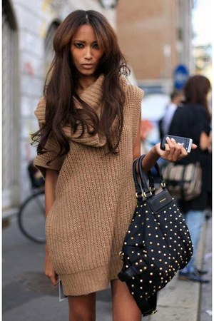 black studded bag unknown brand bag - camel knitted Zara blouse