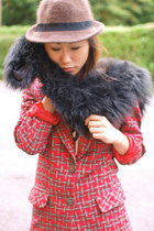 red Krossy blazer - black faux fur scarf Krossy scarf