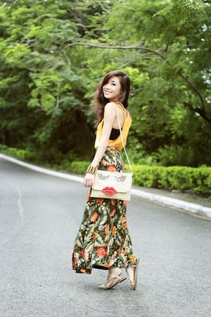 eggshell WAGW bag - green Shoppalu skirt - gold H&M top
