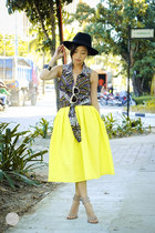 yellow Choies skirt - black thrift market top