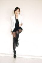 white clothes for the goddess blazer - black H&M shorts - black romwe stockings