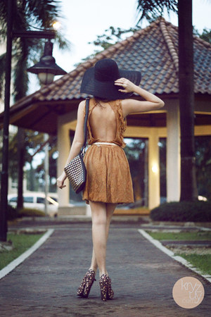 black sm acc hat - bronze stylistaPH dress - black romwe bag