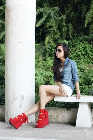red DAS heels