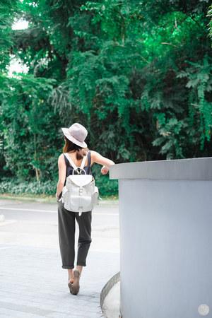 white Grafea bag