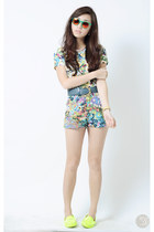 white Amber Avenue top - teal House of Eva shorts - orange sun pocket sunglasses