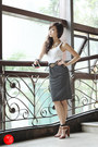 Black-wagw-skirt-brown-zara-sandals-gold-mango-belt