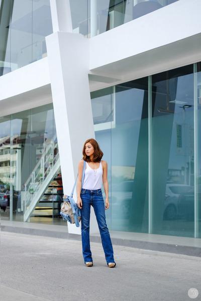 Blue-levis-jeans