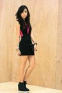 Black-wagw-dress-black-mauve-bag-black-five-by-five-wedges