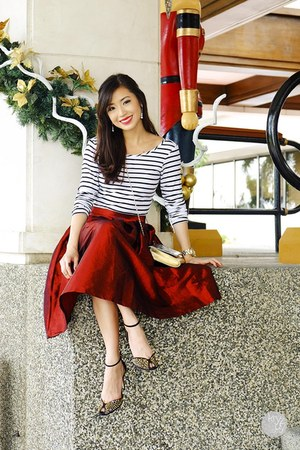 ruby red Choies skirt