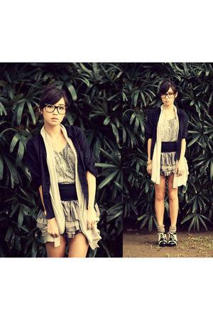 black WAGW top - gray WAGW vest - silver WAGW top - silver WAGW skirt - white Su