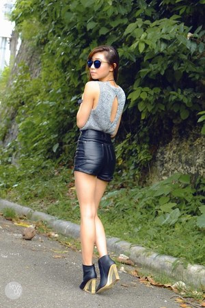 black WAGW shorts - silver WAGW top