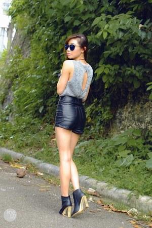 black WAGW shorts - silver WAGW top