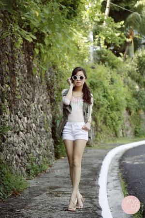 white Wildfox sunglasses - olive green SM GTW vest
