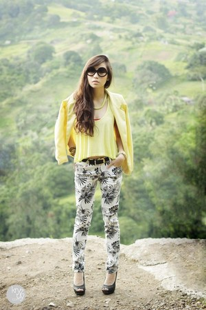 light yellow Sheinside blazer - black Zero UV sunglasses - light yellow f21 top