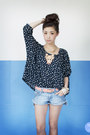 Gold-wagw-ring-blue-diy-shorts-nude-wagw-necklace-navy-ianywear-top