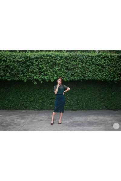 forest green Zara top