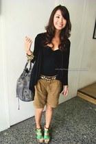 camel Mango shorts - heather gray wagwmultiplycom bag - black H&M cardigan