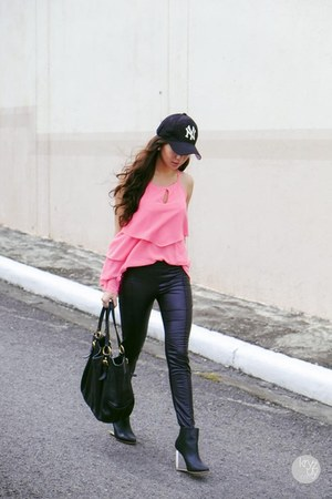 hot pink WAGW top