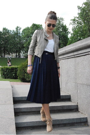 vintage skirt - Michael Kors boots - Topshop jacket - black Ray Ban sunglasses