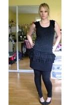 gray payless shoes - gray Forever 21 leggings - black Forever 21 skirt - gray Fo