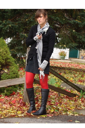 DKNY tights - American Apparel sweater - Target skirt - f21 gloves