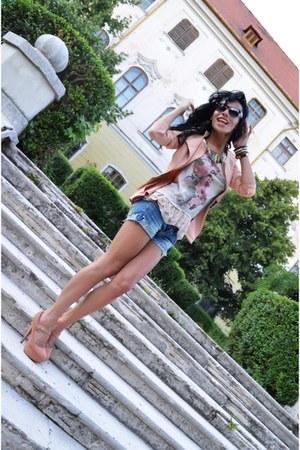 River Island blazer - H&M shorts - Zara t-shirt - Bershka heels