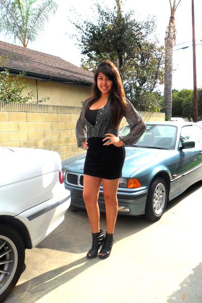 black dress - black shoes - black top