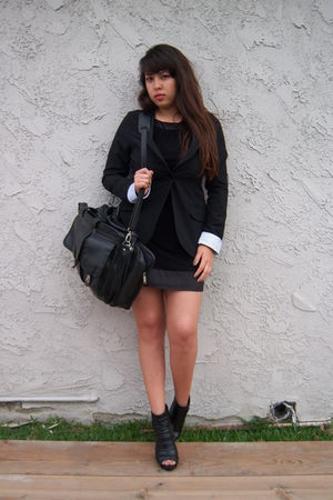 black delias blazer - black Rue 21 shoes - black f21 dress - black bag