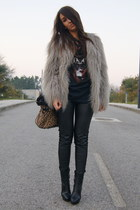 black men section Bershka t-shirt - heather gray faux fur Zara coat