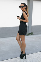 black vivian Fox House shoes - black Zara dress