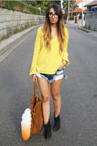 mustard Zara top - navy One Teaspoon shorts