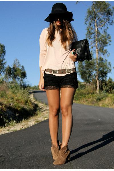 camel pull&bear boots - neutral long sleeve Zara shirt - black Zara bag - black