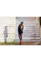 black High Heels Suicide hat - ruby red Dolce Vita boots
