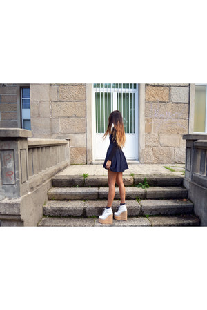 white olga Deandri shoes - navy OASAP skirt