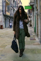 dark brown Aldo boots - dark brown faux fur Zara coat - silver H&M t-shirt - oli