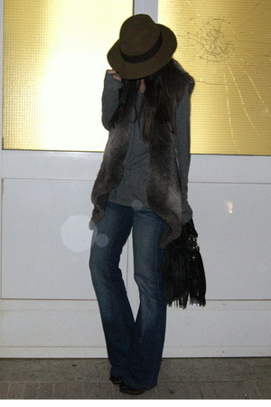 gray man H&M sweater - black fringed Zara bag - dark brown faux fur Zara vest