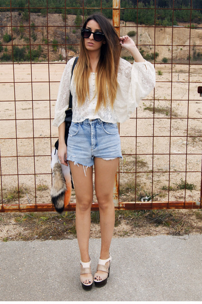 eggshell Sugarlips shirt - camel Jellypop shoes