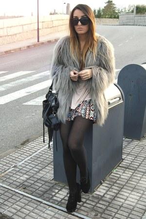 gold tribal Fox House shorts - black Fox House heels