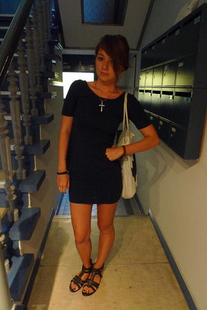 blue whistles dress - black new look shoes