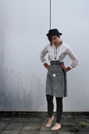 Mayser hat - Linnen blouse - skirt - H&M leggings