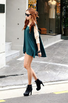 green dress - baige shirt - black heels